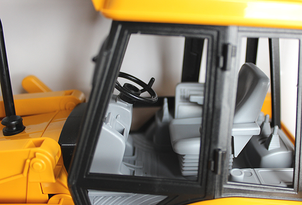 JCB 4CX Cab by Bruder Toys