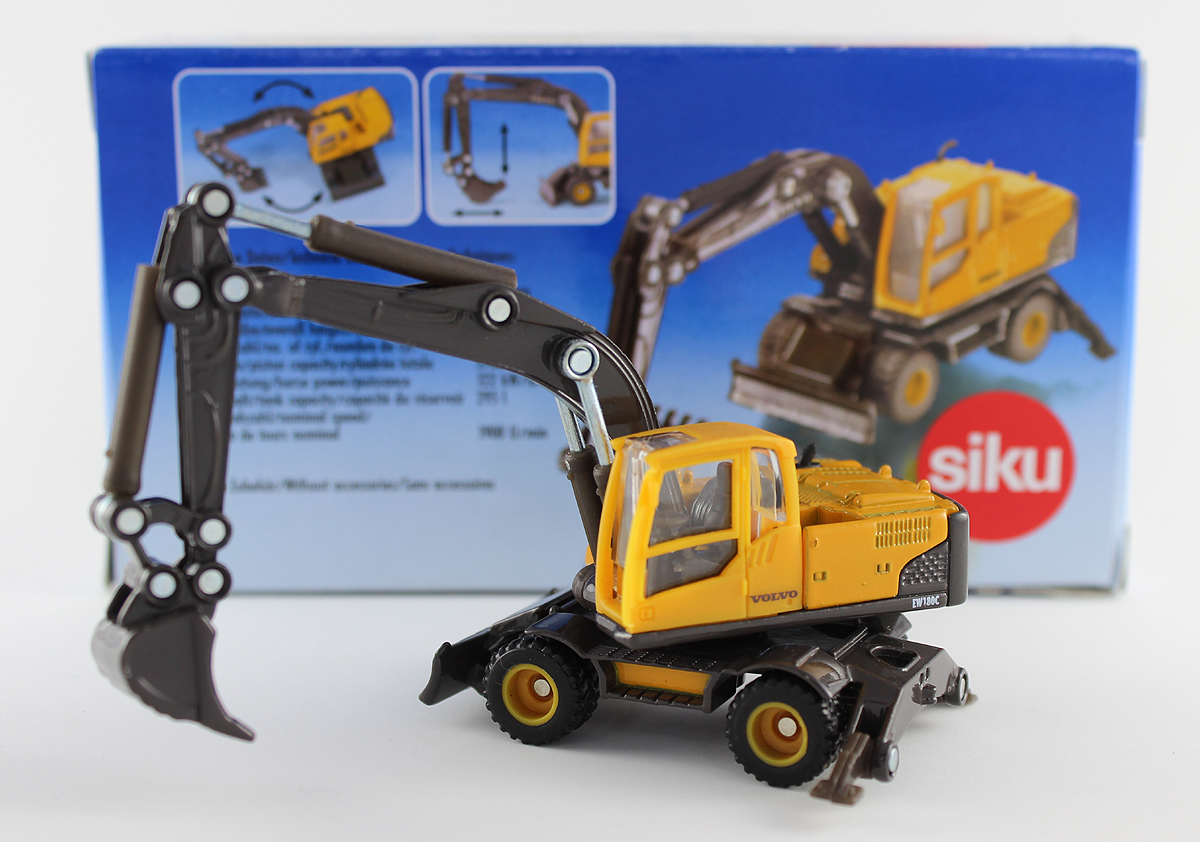 Volvo Mobile Excavator Toy by Siku